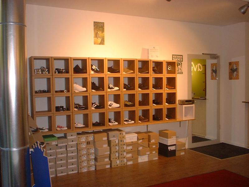 avesu a vegan shoe berlin vegan. Black Bedroom Furniture Sets. Home Design Ideas