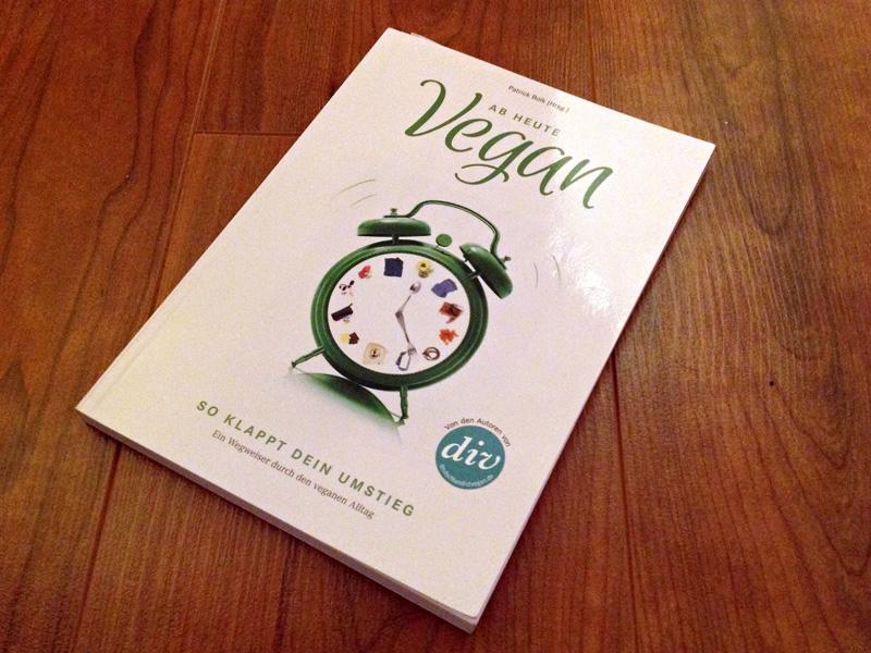 Patrick Bolk (Hrsg.), Ab heute vegan. So klappt Dein Umstieg. Ein Wegweiser durch den vegangen Alltag, 2013, ISBN 978-3-95575-010-7