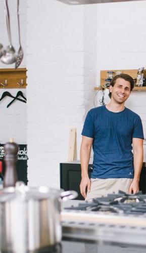 Nikolai Schmidt, Betreiber der Plattform www.supperclubbing.com und Teilnehmer der veganen Woche des Perfekten Dinners bei Vox.